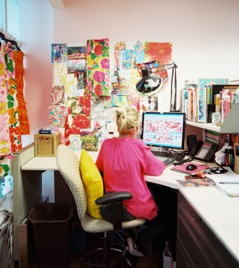 Lilly+Pulitzer+Lilly+Pulitzer+employee+work+5V6tC5UxAvDl