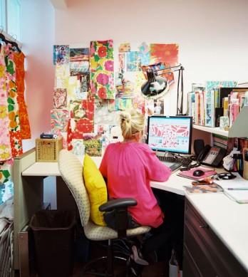 Lilly+Pulitzer+Lilly+Pulitzer+employee+work+5V6tC5UxAvDl