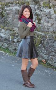 On the Edge Skirt